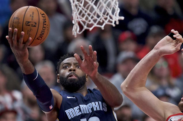 Tyreke Evans stars as Grizzlies overcome Trail Blazers to get back on winning track