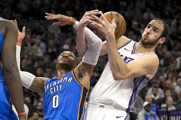 Kings overcome sluggish start to rally past slumping Thunder and halt seven-game slide