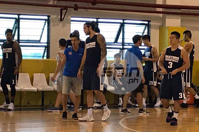 Standhardinger tries out 'unconventional' one-handed free-throw shooting stroke
