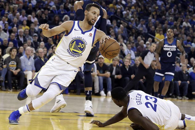 Warriors catch fire in the third to extend streak to five and snap Wolves five-game win streak