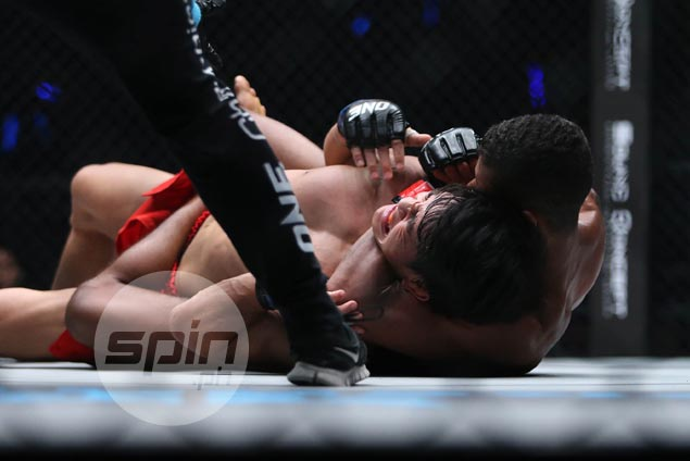 Danny Kingad taps out to One flyweight champ Moraes as Kevin Belingon smothers Korean foe