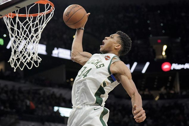 Giannis shows way, Bledsoe shines in debut with new team as Bucks stun Spurs