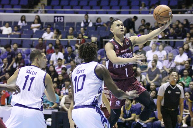 UP Fighting Maroons rout NU Bulldogs to keep semifinal hopes alive