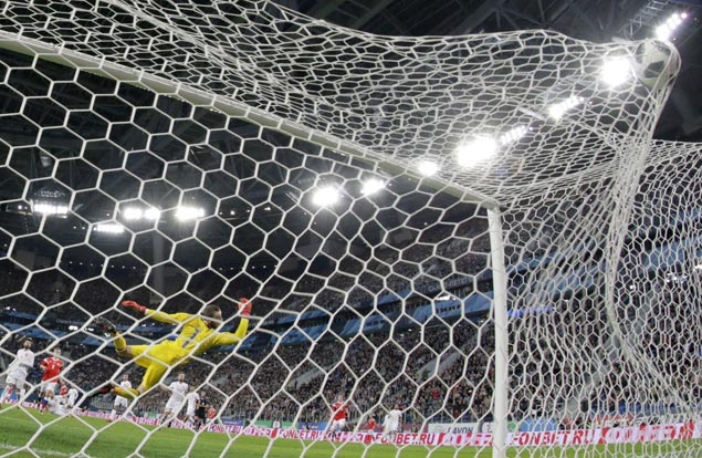 Spain ends 2017 unbeaten but look uneasy in draw with Russia