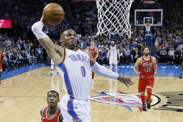 Westbrook shows way, Carmelo solid in return as Thunder down Bulls for third straight win