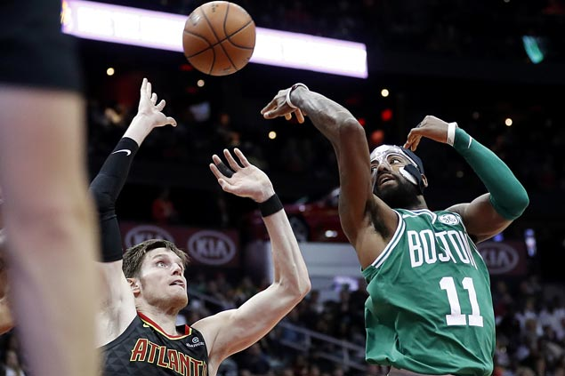 Celtics sustain fiery form, get by lowly Hawks to make it 15 straight victories