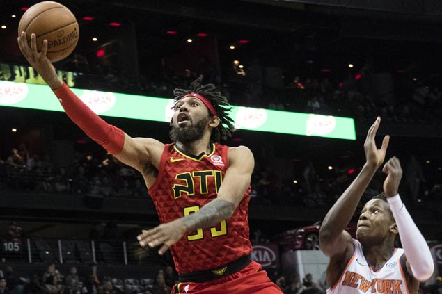 Hawks use big third quarter to get by Knicks and snap three-game slide