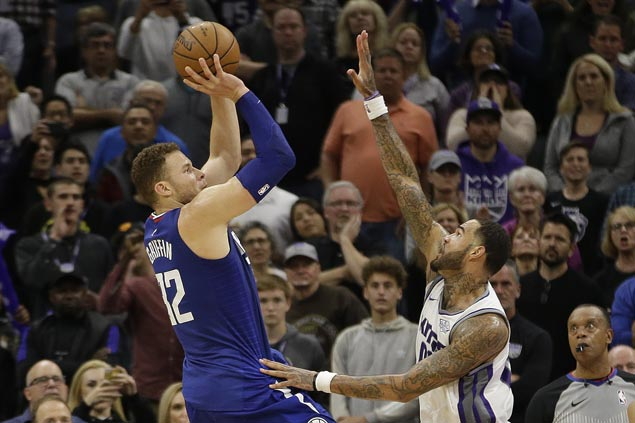 Blake Griffin hits jumper in dying moments to lift Clippers over Kings