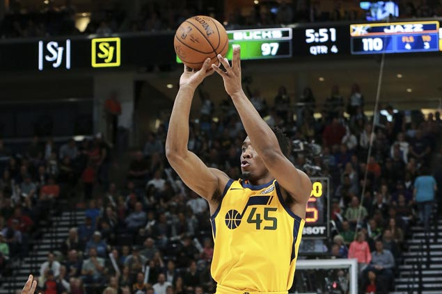 Rookie Donovan Mitchell nails six of Jazz's season-high 18 triples in big win over Bucks