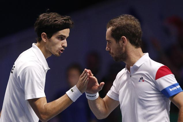 Yannick Noah gamble pays off as France wins doubles take lead in over Belgium in Davis Cup final