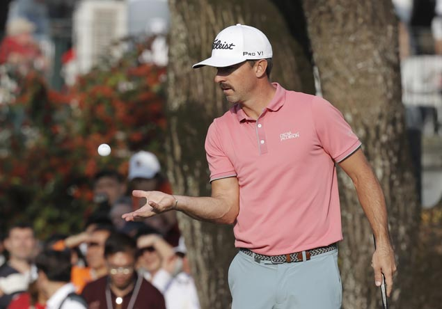 Wade Ormsby survives final-hole slip to win in HK for first European Tour title