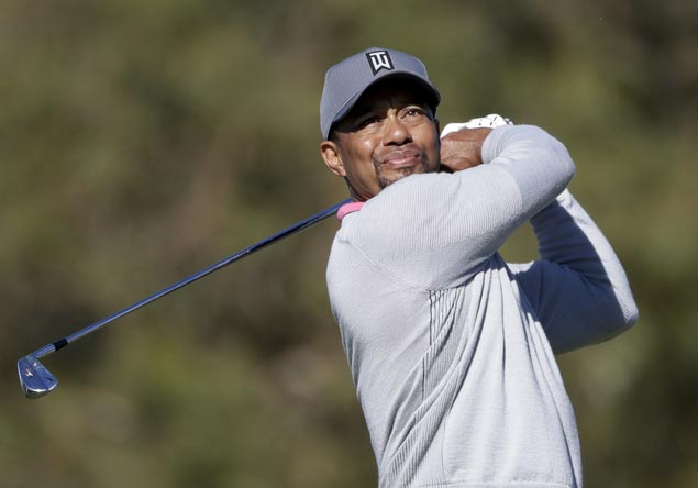 Golf world buzzing as Tiger Woods gets strong reviews ahead of competitive return