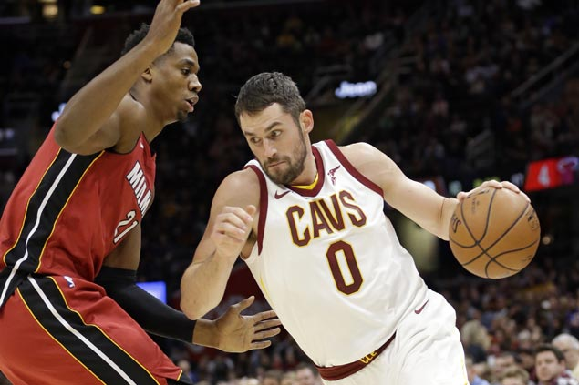 Love scores 38 as Cavs survive LeBron ejection, rip Heat to extend win streak to nine