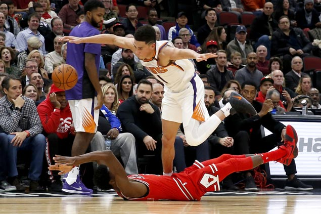 Devin Booker returns to snap Suns three-game slide and send listless Bulls to sixth straight loss
