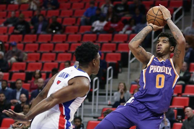 Pistons score 36 in first quarter and cruise to victory over Suns