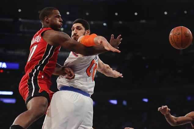 Knicks overcome Heat as Kanter takes charge after Porzingis's early exit