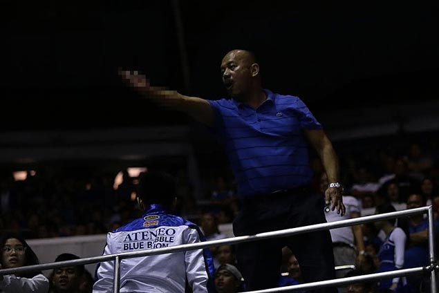 Ateneo supporter says sorry for 'unacceptable behavior,' dirty finger in viral photo