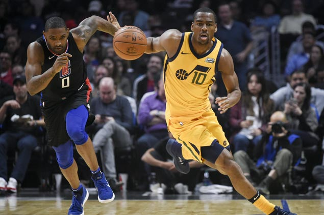 Jazz pull away late vs Clippers to roll to fourth straight win in battle of injury-depleted squads