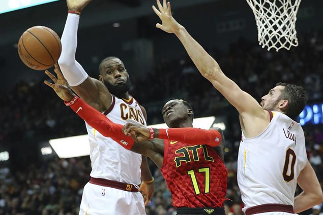 LeBron James earns praise in locking down Hawks' Schroder to spark Cavs comeback win