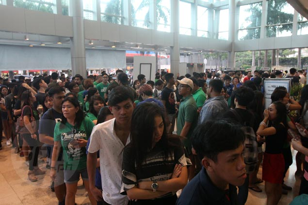 Scalpers make a killing anew as fans reportedly offer to pay up to P8000 for a ticket to La Salle-Ateneo title decider