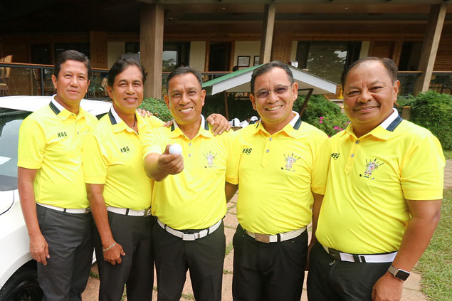 Luisita's Fil Champ lead down to 1, as retired general wins car with ace