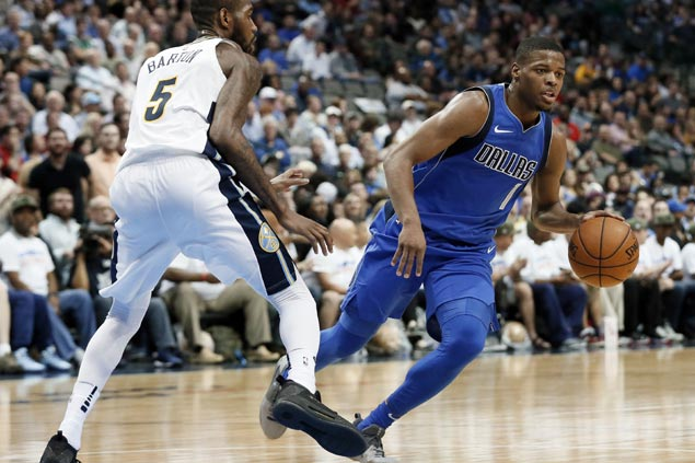 Mavericks cruise to second straight wire-to-wire win with rout over undermanned Nuggets