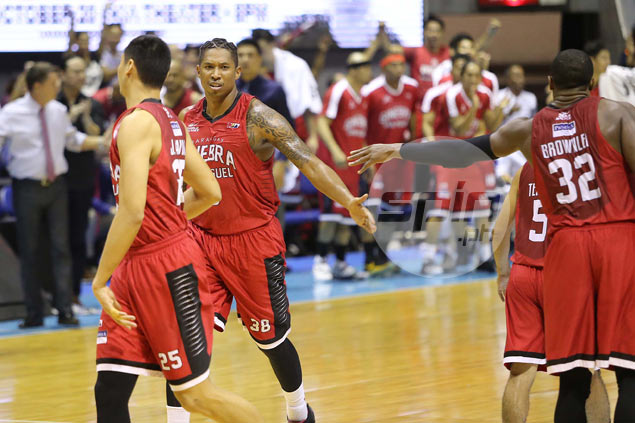 New one-year deal awaits Ginebra veteran Joe Devance upon arrival from US