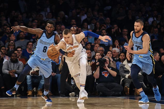 Kristaps Porzingis overcomes slow start in return from injury to lift Knicks over Grizzlies