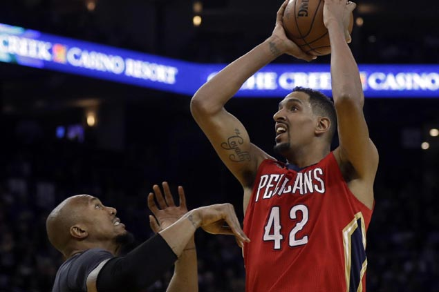 Alexis Ajinca likely out for season as Pelicans reserve center has surgery on injured knee