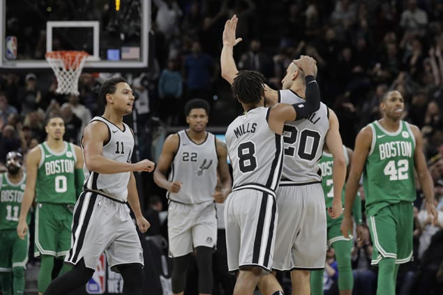 Ginobili nails go-ahead triple as Spurs end Celtics four-game run, spoil Kyrie Irving's big game