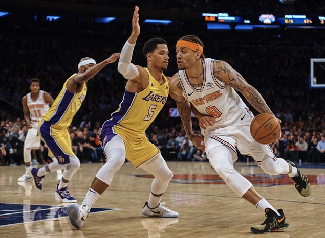 Michael Beasley makes the big plays in overtime as Knicks down Lakers for second straight win
