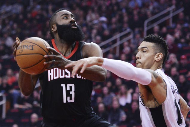 Chris Paul steps up for cold-shooting Harden as Rockets rout Spurs for 12th win in a row