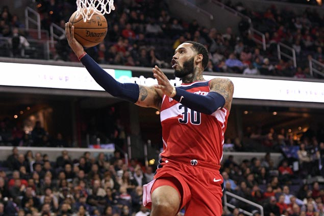 Mike Scott's season-high 22, John Wall's late surge lift Wizards to snap Clippers three-game streak