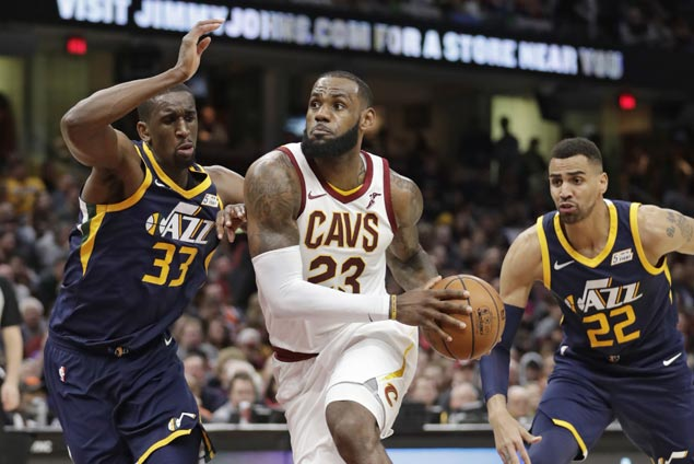 LeBron James posts 60th career triple-double as Cavs down Jazz