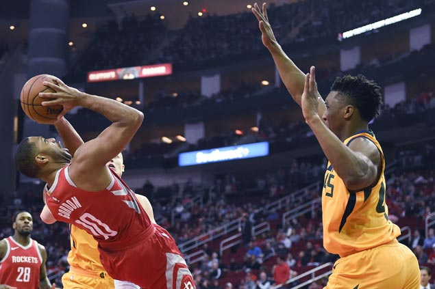 Eric Gordon powers fourth-quarter surge as Rockets down Jazz for 14th straight win