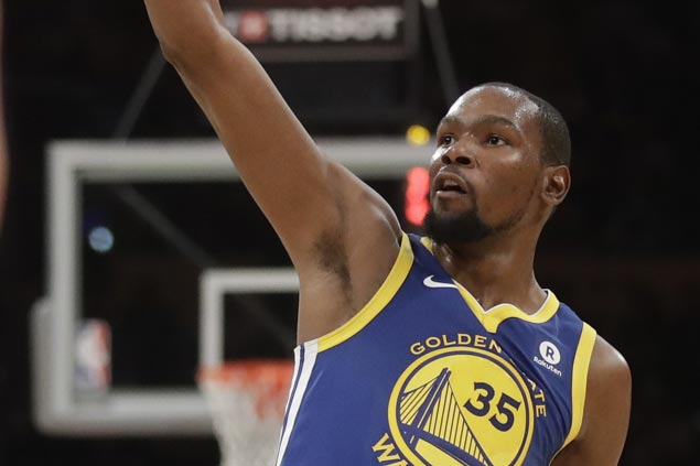 Warriors dampen Kobe night as KD lifts Curry-less Dubs over Lakers in overtime