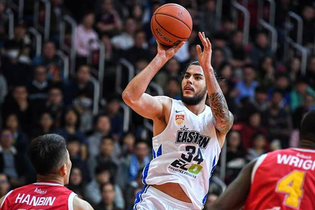 Christian Standhardinger posts double-double as HK Eastern nips Slingers for seventh straight win in ABL