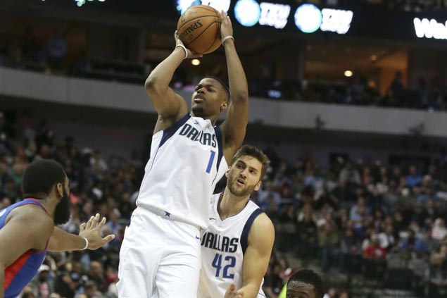 Dennis Smith Jr.'s return gives struggling Mavs enough boost to end Pistons' three-game win run