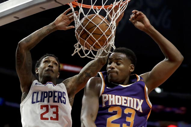 Clippers halt three-game slide with wire-to-wire win over Suns in battle of injury-depleted teams