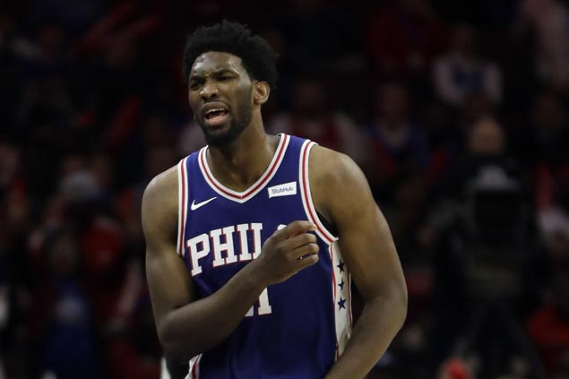 Joel Embiid starts for Sixers against Spurs despite sprained right hand