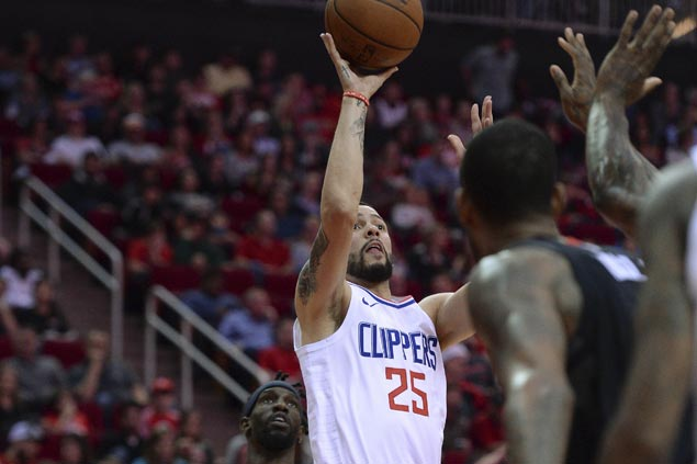 Rivers scores career-high 36 as Clippers down Rockets, spoil another 51-point outing by Harden