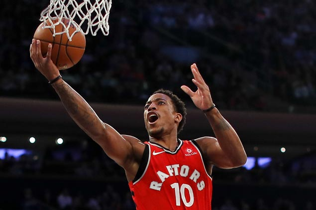 Raptors score 10th straight home victory, deal Sixers fifth straight loss