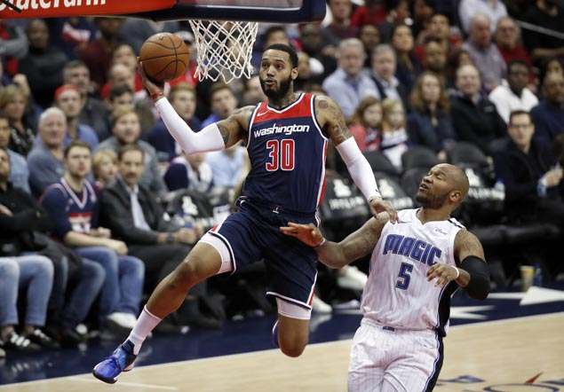 Mike Scott shines as Wizards send Magic to eighth straight loss