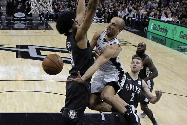 With a full roster for the first time this season, Spurs ease to victory over Nets