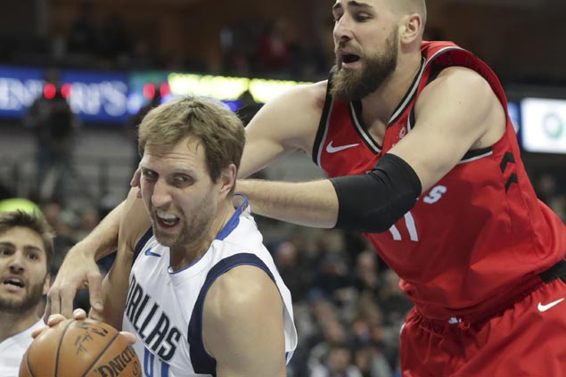 Veterans JJ Barea, Dirk Nowitzki take charge as Mavs end Raptors win streak at six