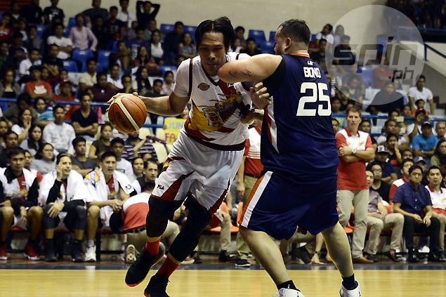 June Mar Fajardo lauds Ken Bono after SMB giant has tough time scoring vs hefty Meralco center
