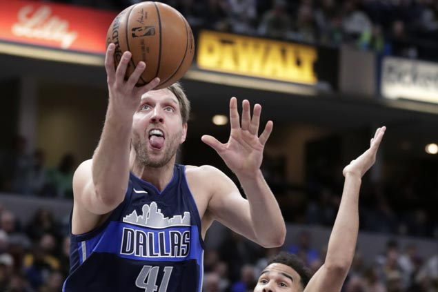 Dirk Nowitzki continues solid play as Mavs rally past Pacers to halt eight-game road skid