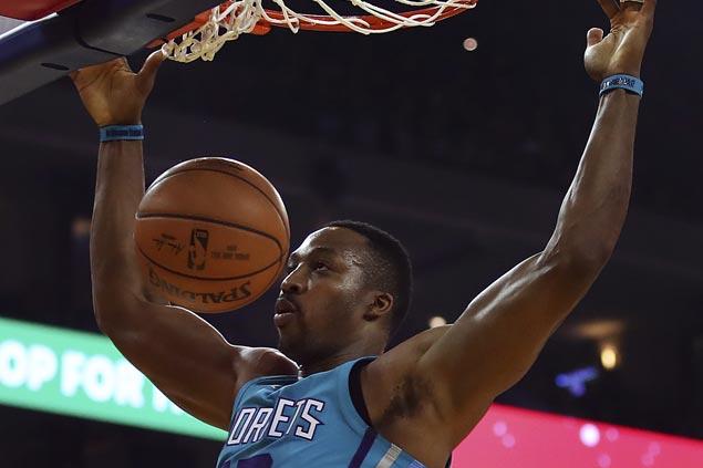Dwight Howard scores season-high 29 as Hornets stun Warriors