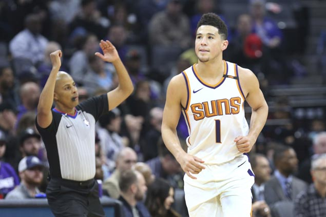 Devin Booker makes up for cold start with late flurry as Suns rally past Kings