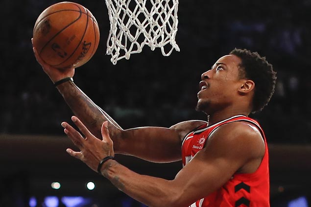DeMar DeRozan scores franchise record 52 points as Raptors edge Bucks in overtime